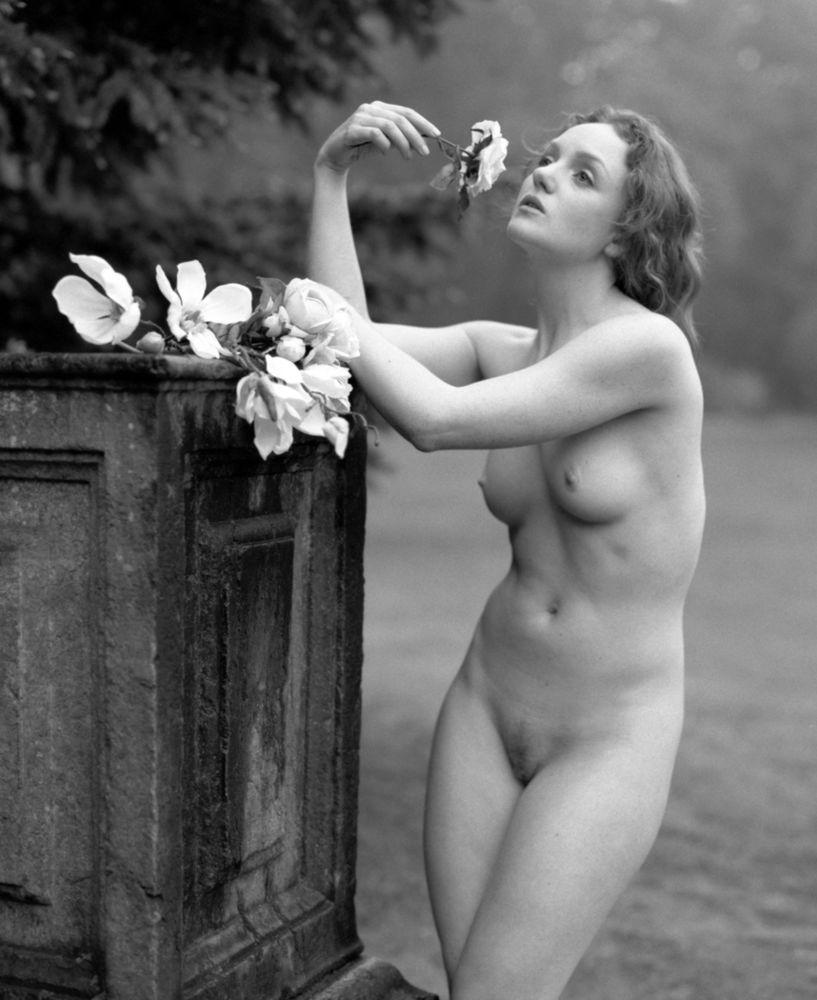 Pre-raphaelite nude model IVORY FLAME black & white film image by Mick McEnmon, Belgium
