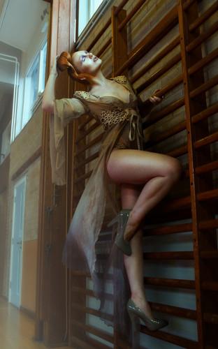 Salleh Sparrow 9034 IVORY FLAME lingerie fashion photoshoot 900