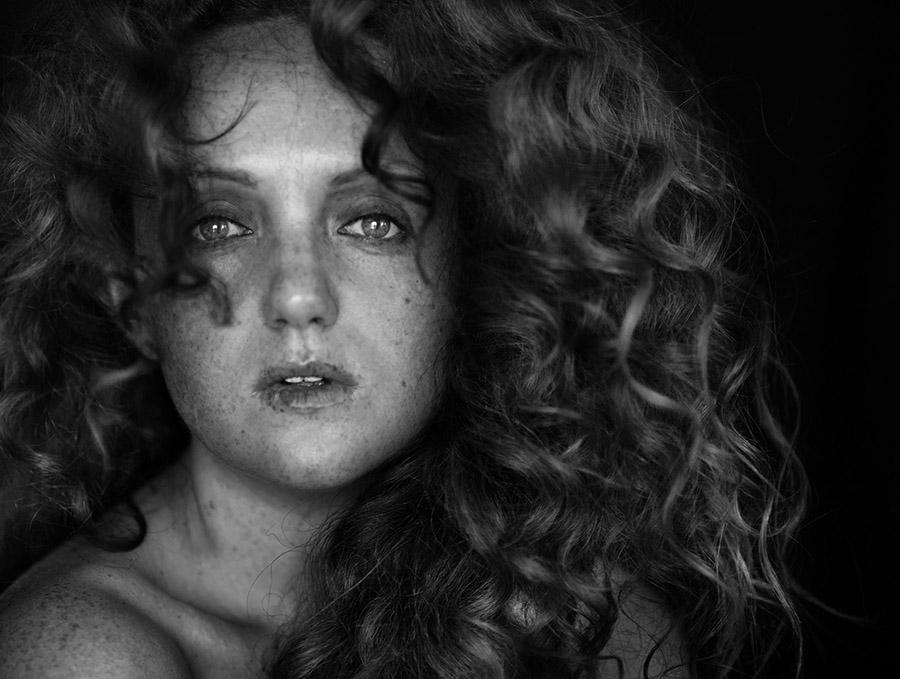 Raw Portrait headshot of model Ivory Flame by photographer Nicole Luneburg
