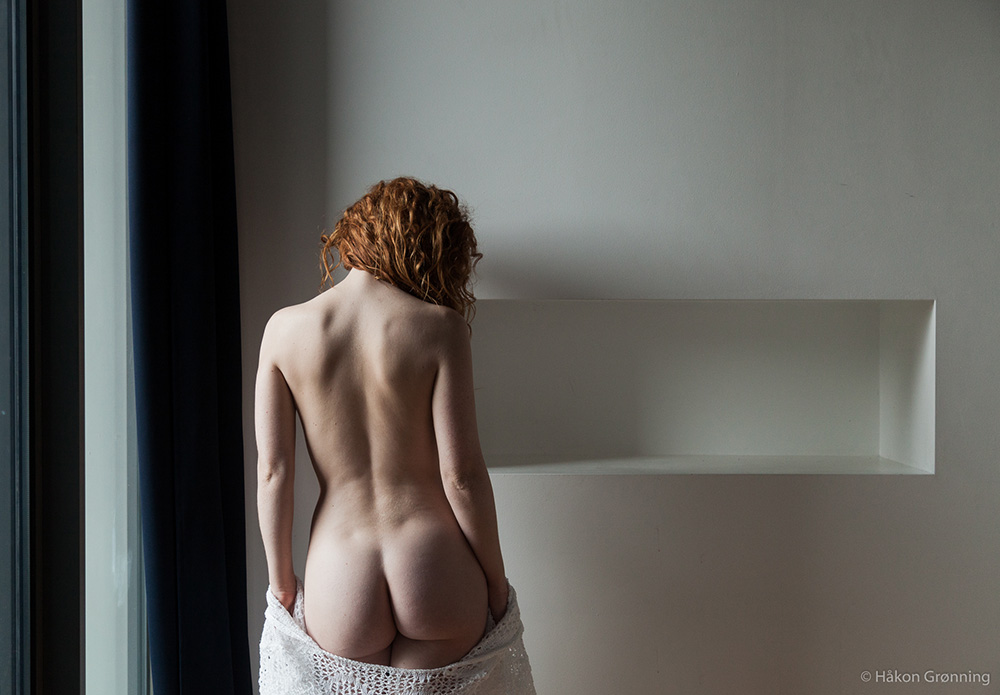 Ivory Flame nude naked model by photographer Hakon Gronning