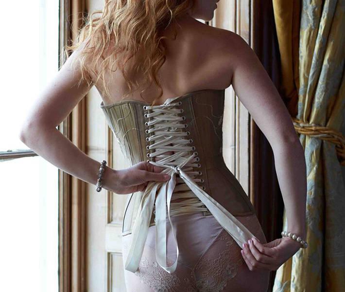 Ivory flame redhead corset model
