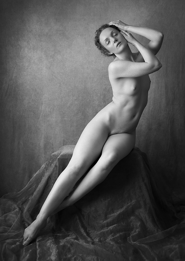 Ivory Flame nude model remote shoot by Atle Sveen